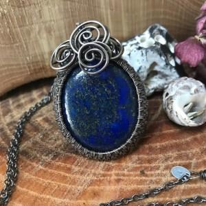 Enestående sølvhalskæde med lapis lazuli