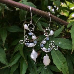 Perle øreringe med kyanit