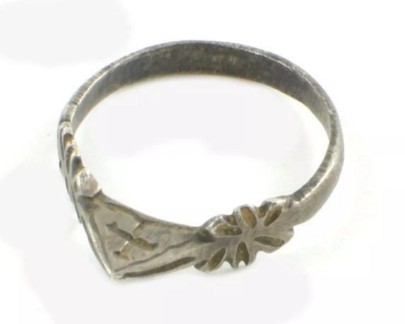 13th Century Finger Ring, Plean