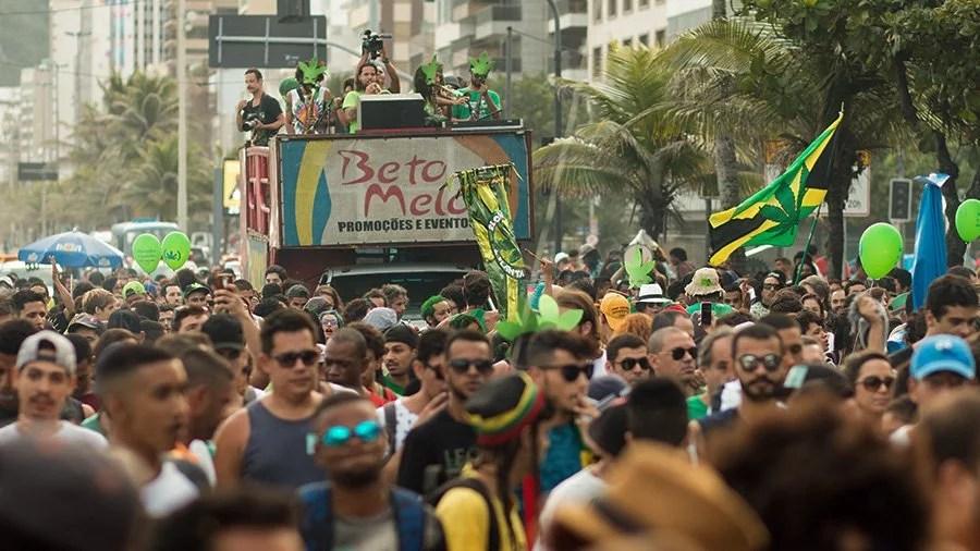 como seria viver num brasil legalizado marcha da maconha do rio responde smokebuddies Como seria viver num país legalizado? A Marcha da Maconha do Rio responde!