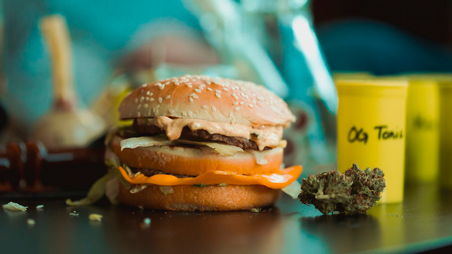 Legalização da maconha eleva receita do BK McDonalds e KFC nos EUA Legalização da maconha eleva receita do BK, McDonalds e KFC nos EUA