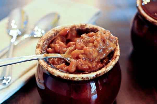 Sweet and spicy brisket baked beans