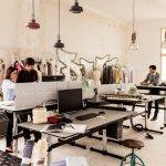 10 Grunde Fur Einen Hohenverstellbaren Schreibtisch Warum Steh Sitz Tische Die Buroarbeitsplatze Der Zukunft Sind Designermobel Von Smow De
