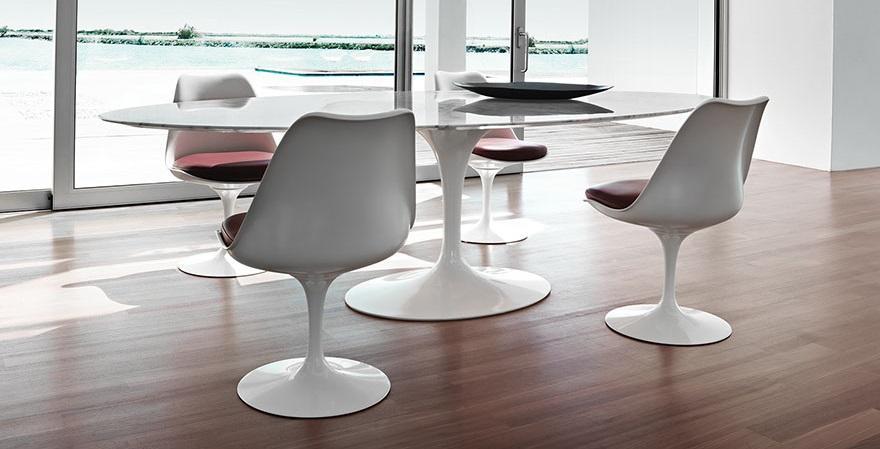 Knoll International Saarinen Esstisch oval von Eero ...