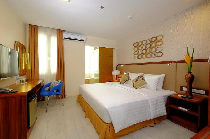 The One Central Hotel and Suites, Cebu City, Philippines Great Deals!