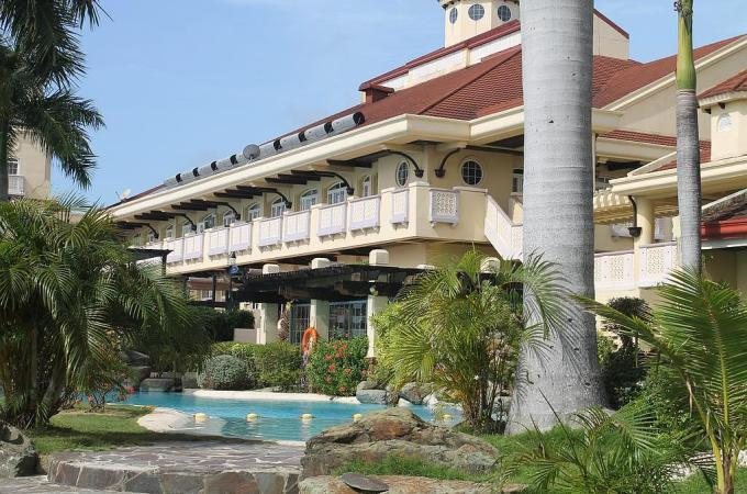 Book a Room at The Vista Mar Beach Resort and Country Club, Cebu! Discount Rates!