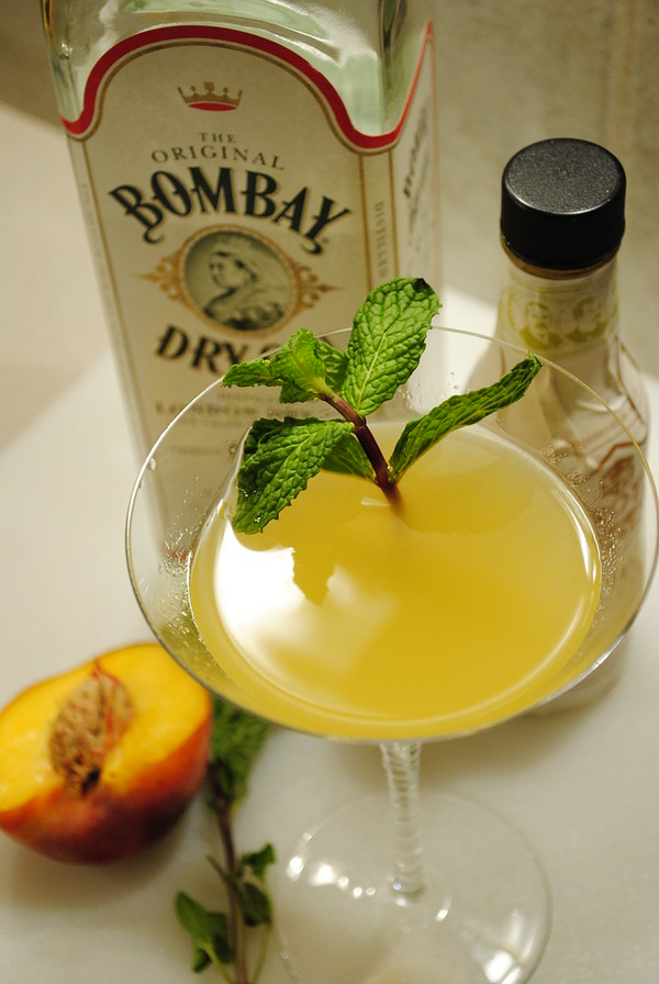 Derby Cocktail (peach and gin), photo © 2011 Douglas M. Ford. All rights reserved.