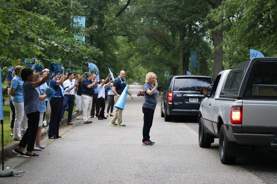 SMWC welcomes the class of 2022 with fanfare   SMWC