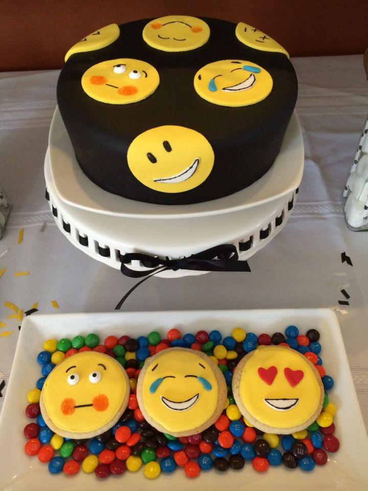 13 Emoji Cakes 11 Year Old Photo Birthday Cake Ideas