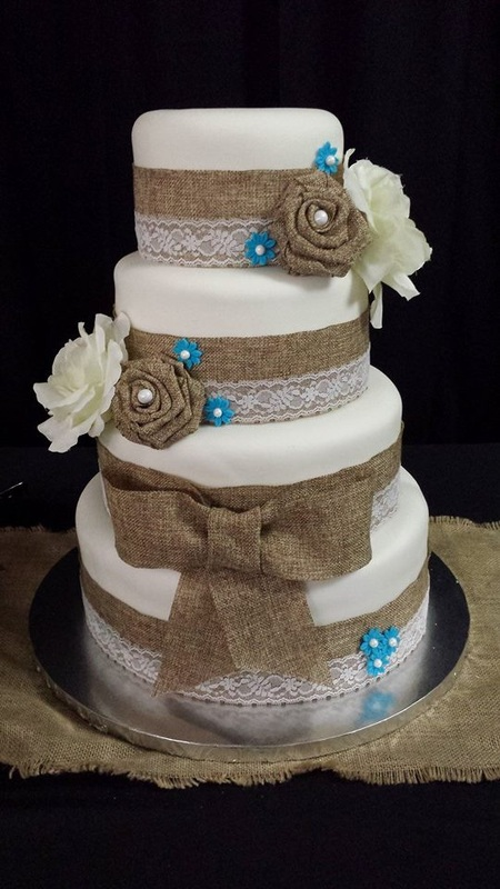 11 Burlap And Lace Cupcake Cakes Photo   Burlap and Lace Wedding     Wedding Cake with Burlap and Lace
