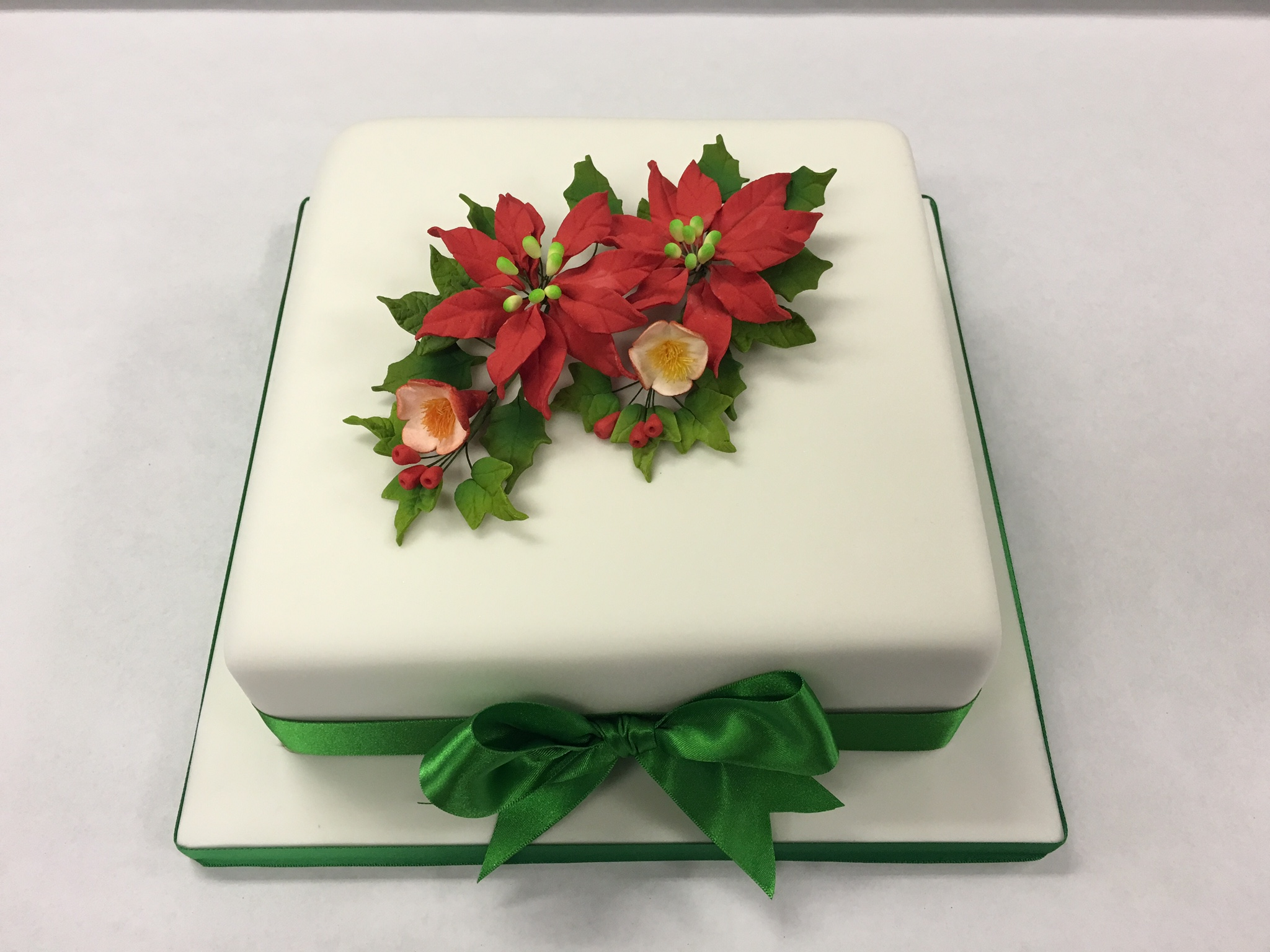 9 Square Wedding Cakes With Poinsettias Photo Red