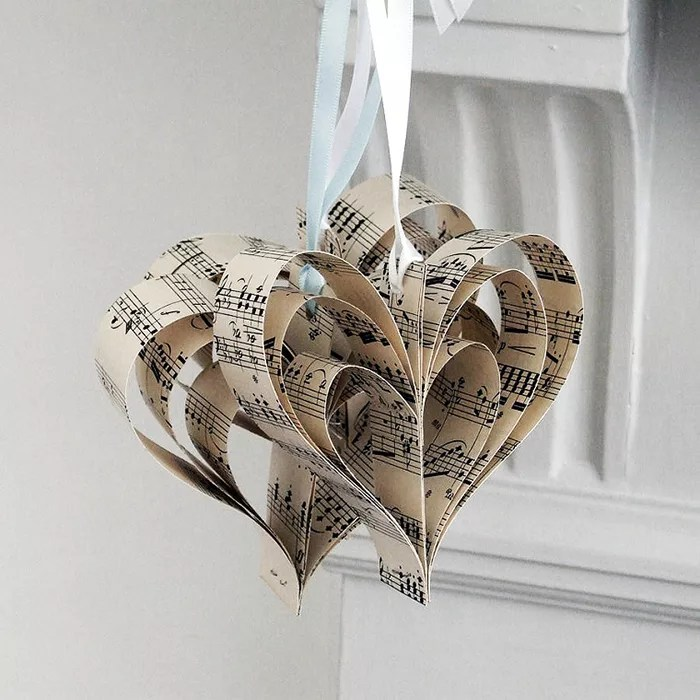 DIY corazones decorativos de papel
