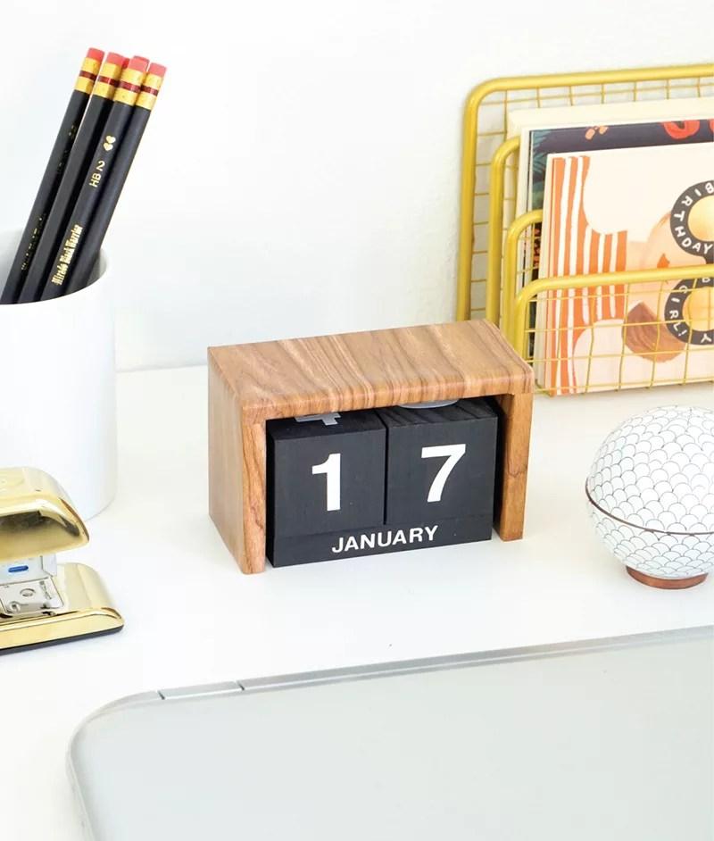DIY calendario de madera
