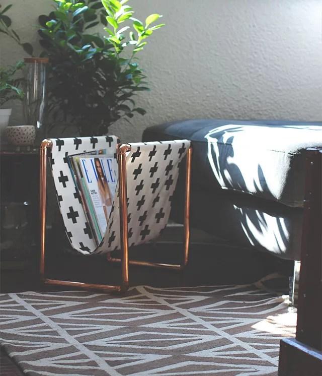 DIY revistero con tela y tuberías de cobre