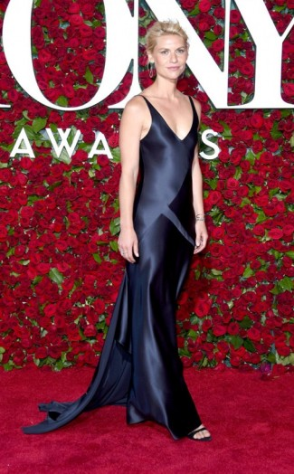 Homeland Actress Claire Danes Looked Elegant Wearing A