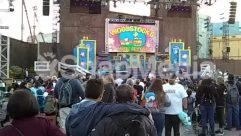 Musician,Musical Instrument,Music Band,Leisure Activities,Festival,Building,Audience,Amusement Park,crowd