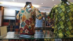 Shop, Sleeve, Boutique, Blouse, Market, Bazaar, Fashion, Shirt, Pattern, Mannequin, Sweater, batik, indonesian batik, traditional