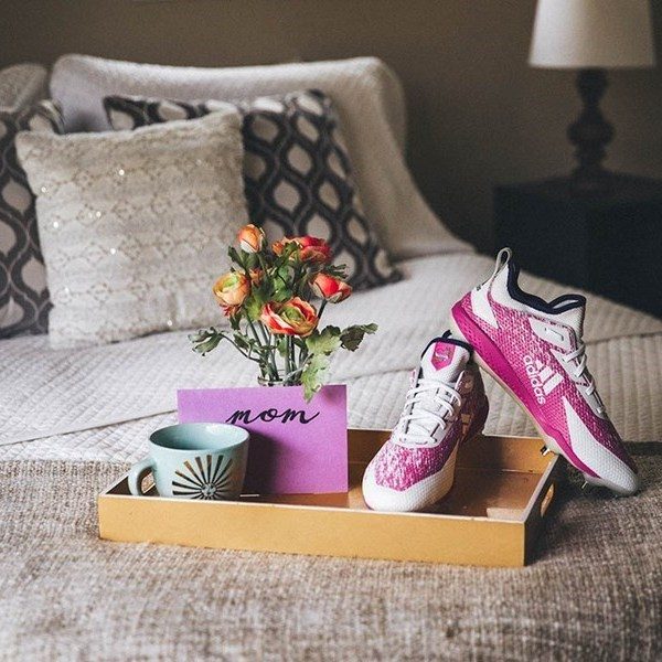 adidas-creates-special-edition-miadidas-cleats-to-celebrate-mother's-day