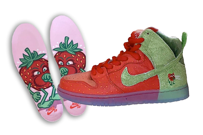 Nike SB Dunk Strawberry Cough