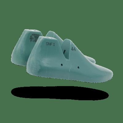 Sneaker Last pair heel view