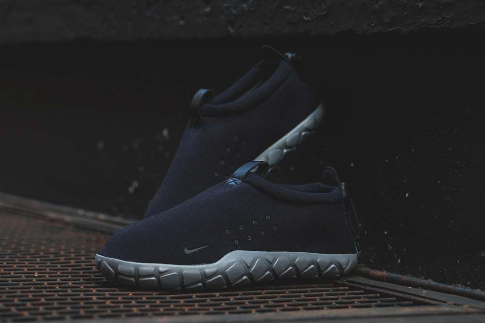 Nike-Air-Moc-Tech-Fleece-6