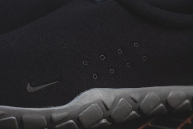 Nike-Air-Moc-Tech-Fleece-7