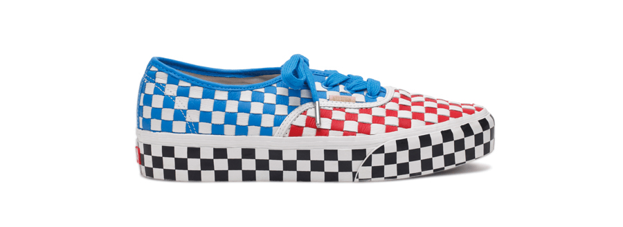 Layak untuk menjadi koleksi terutama karena budaya Tionghoa sangat lekat  dengan tema sepatu vans ini. a10f5a827f