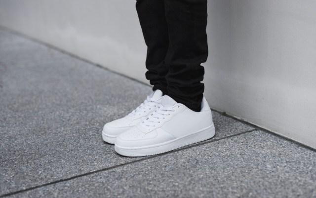 gambar sepatu, sepatu putih