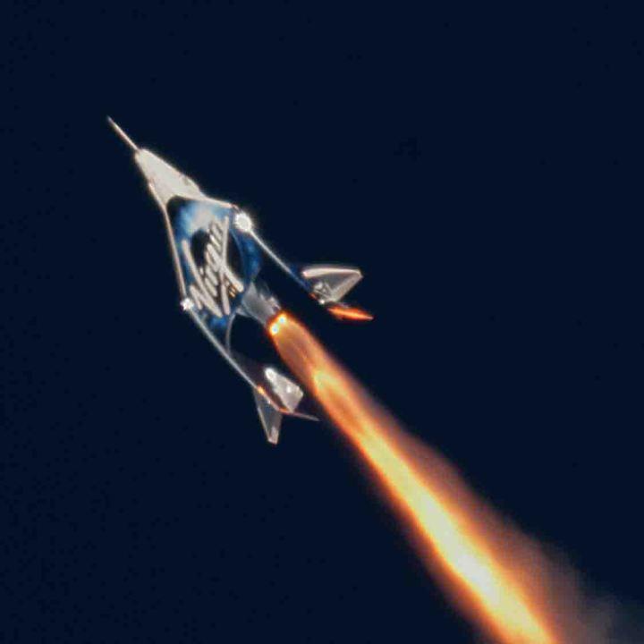 Under Armour se une a Virgin Galactic para diseñar los trajes técnicos espaciales y los programas de preparación de los astronautas