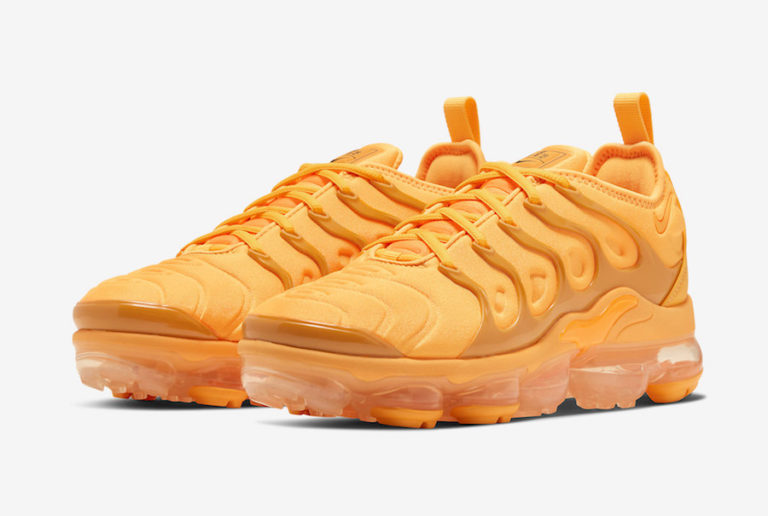 First Look: Nike Air VaporMax Plus 'Total Orange'