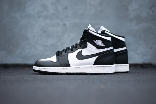 Air_Jordan_1_Kids_OG_Black_White_Sneaker_Politics_1