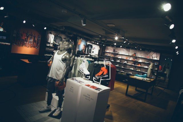 foot-locker-houseofhoops-store-munich-2016-65