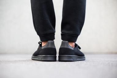 adidas-originals-stan-smith-primeknit-triple-black-03