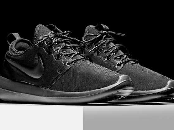 Nike Roshe Two Triple Black