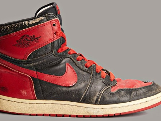 Air Jordan 1 ''Bred''/''Banned'' - 1985
