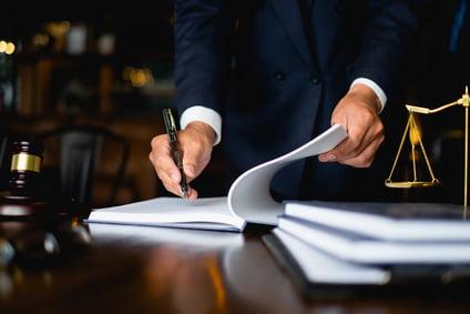 עורך דין פלילי מפורסם – ליווי תקשורתי ומקצועי לכל אירוע