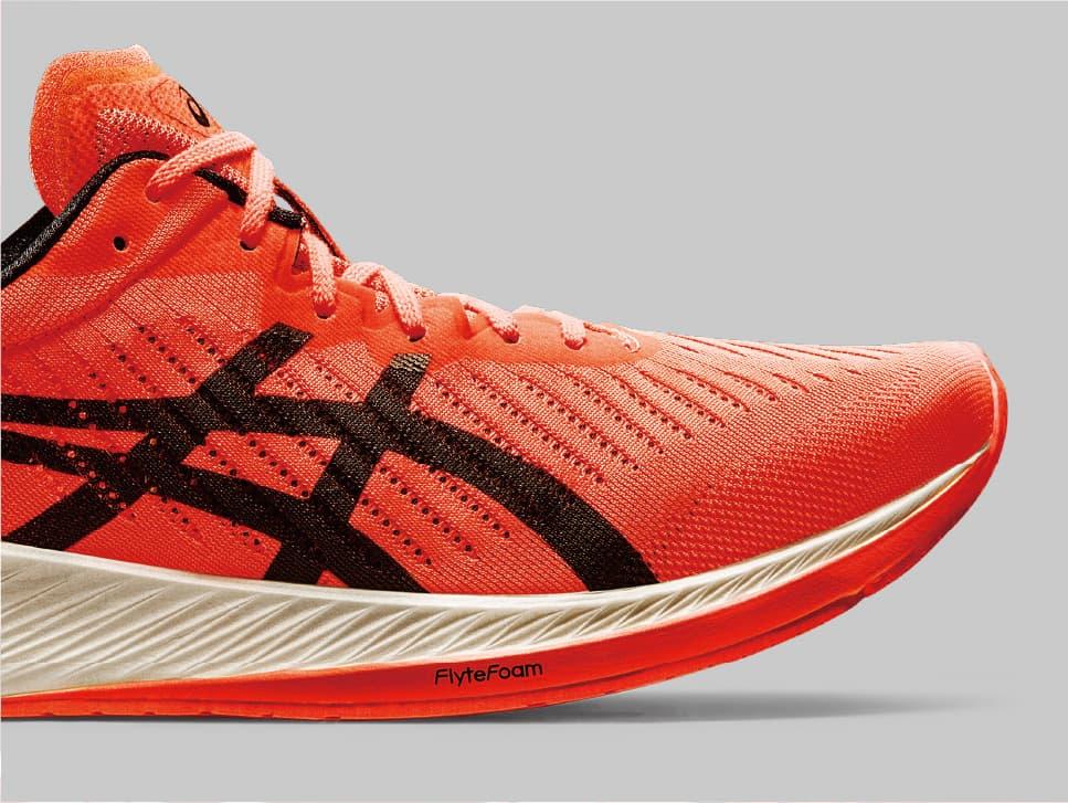 ASICS MetaRacer รองเท้าวิ่งมาพร้อมแผ่นคาร์บอนของเอสิคซ์ เผยโฉมแล้ว