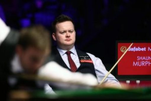 Shaun Murphy, right, was given a tough fight by Ali Carter, left