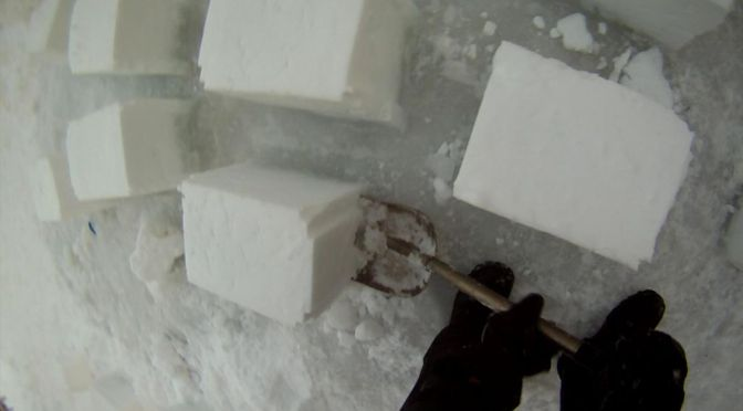 How to build a 3-storey snow fort