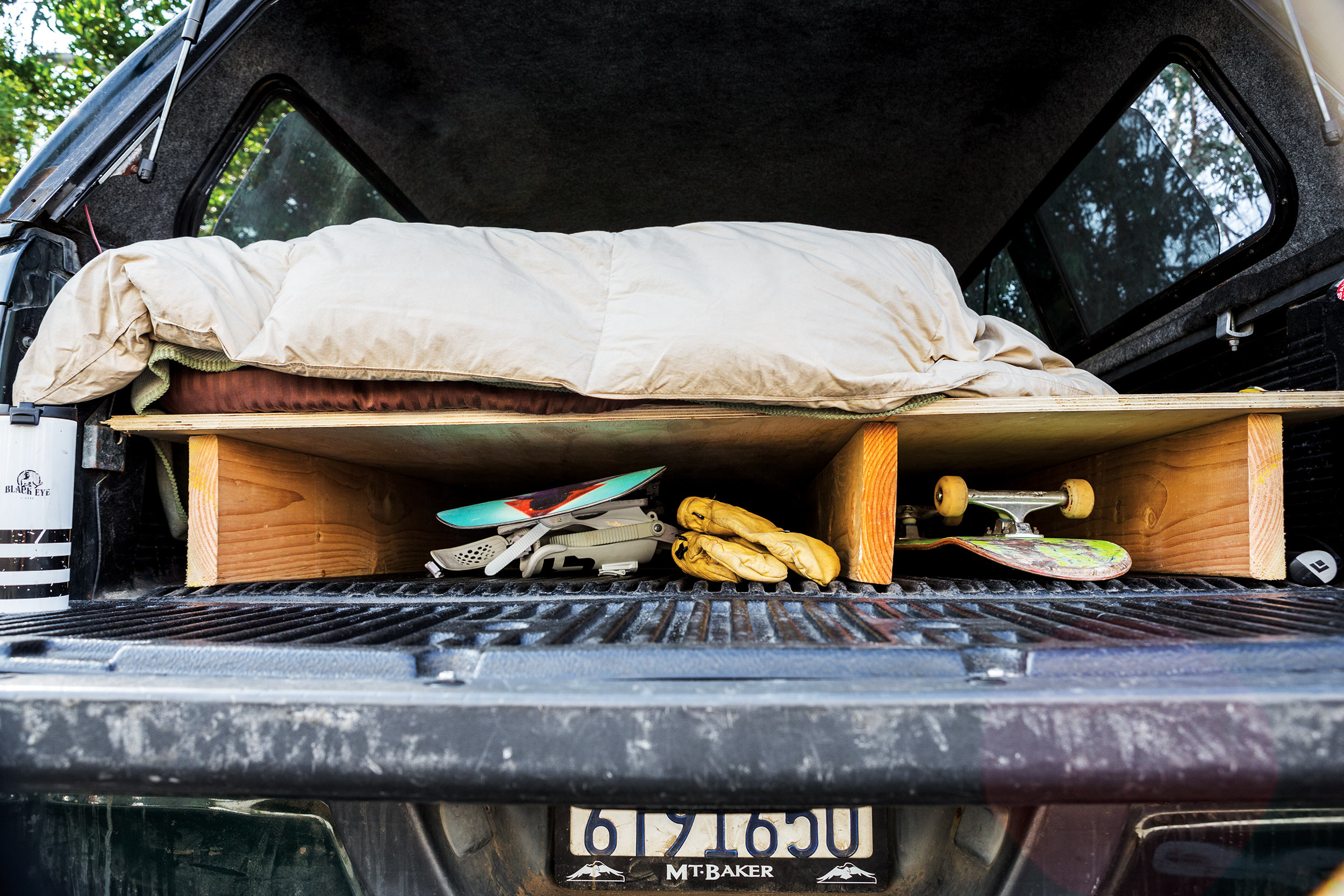 Bed Of A Truck >> How To Convert Your Truck Bed Into An Actual Bed Transworld