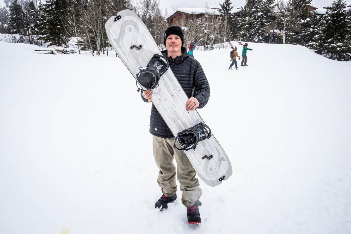 Recent Cardiff Snowcraft ambassador, Bjorn Leines, holds The Crane Split.. Click to view image.