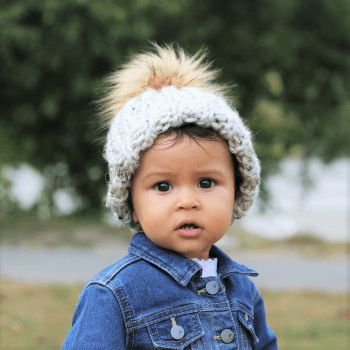 Chunky Unisex Knit hat with faux fur pom pom