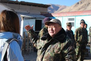 Kylychbek Zhundubaev of the Kyrgyz State Agency for Environmental Protection and Forestry, talking to a journalist