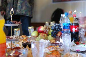 a feast in snow leopard Shangri-La