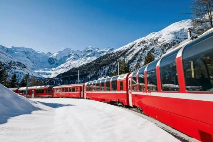 Met de trein door de sneeuw