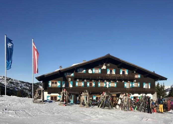 Aan het einde van de middag komt de après-ski ook op de piste goed op gang. Foto: Pauline van der Waal
