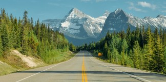 Icefields Pkwy from Jasper to Banff, Canadian Rocky Mountains, Alberta, Canada