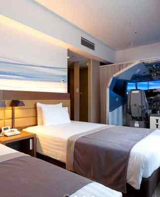 Flight Simulator hotel room