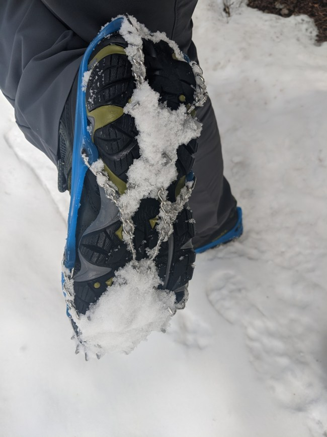 Yaktrax reviews: snow build up on Yaktrax Ascent