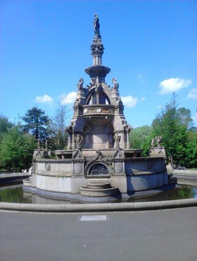 fountain at Kelvingrove Park